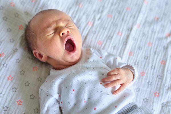 bébé est trop fatigué